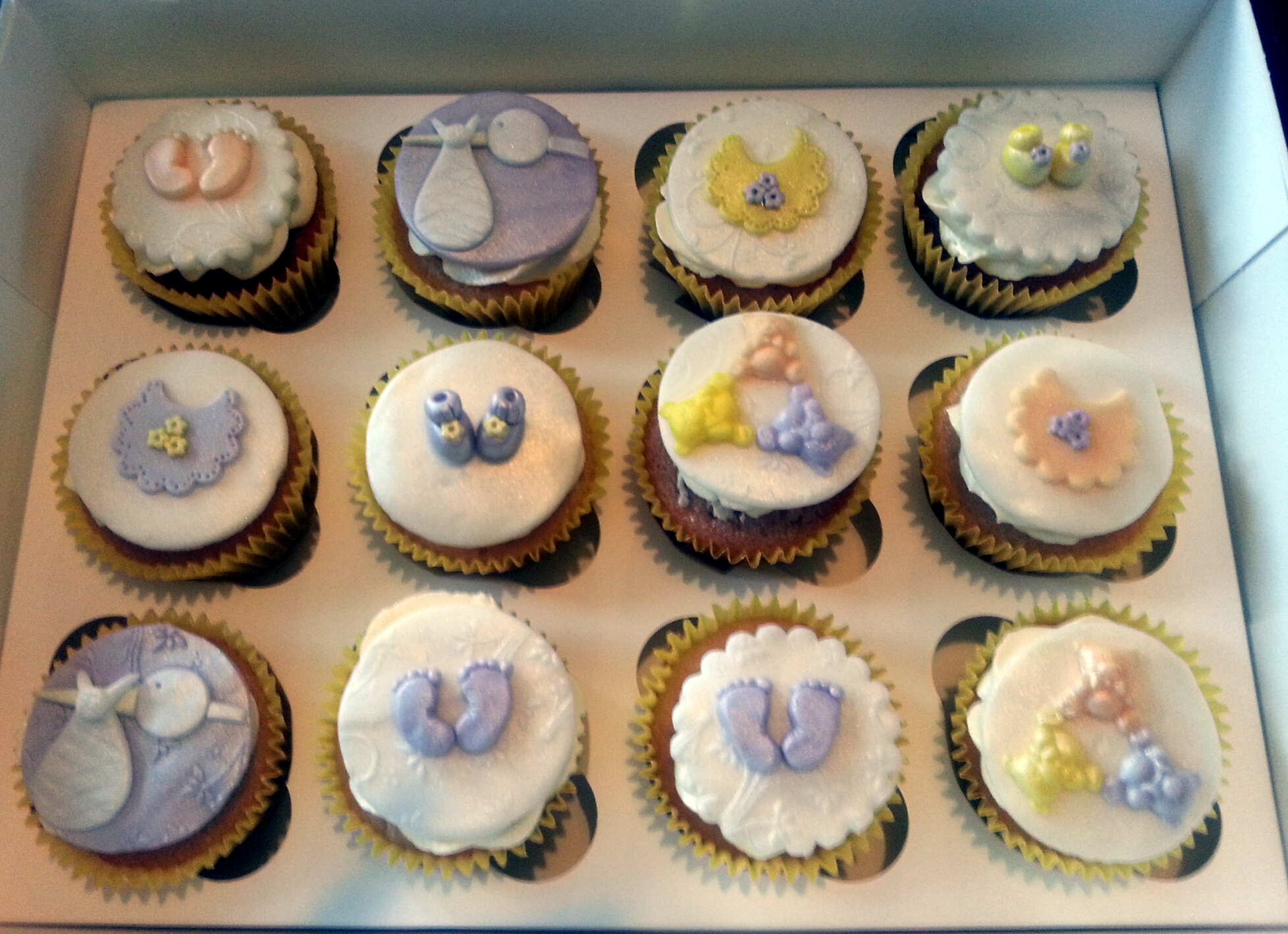 Baby Shower Cupcakes Fozia